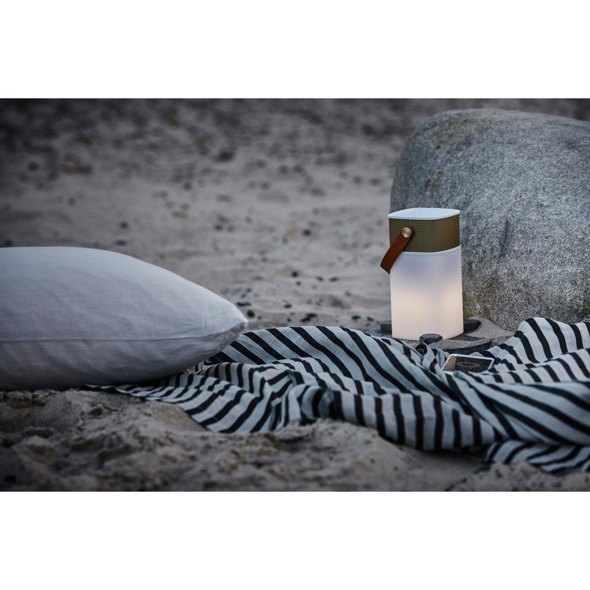 Kreafunk aGlow kaiutin-powerbank-lamppu