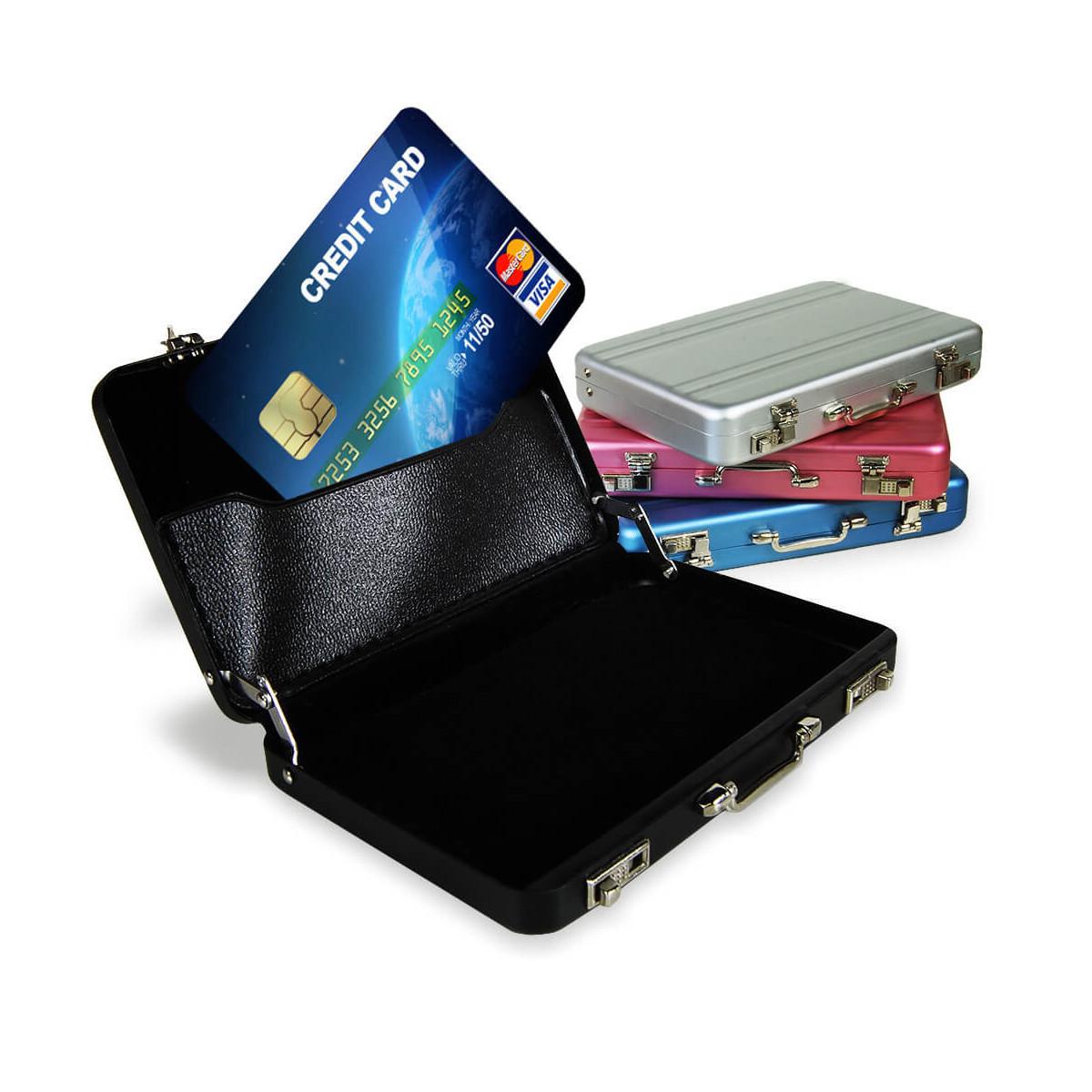 Matkalaukku korttikotelo