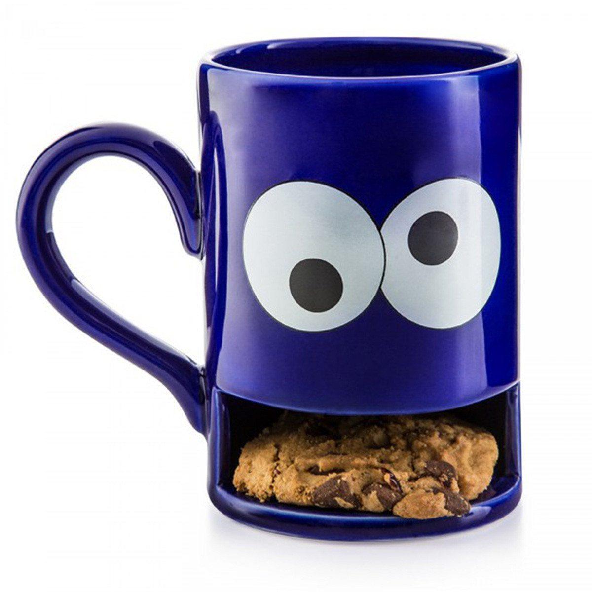 Mug Monsters kahvikuppi keksihyllyllä