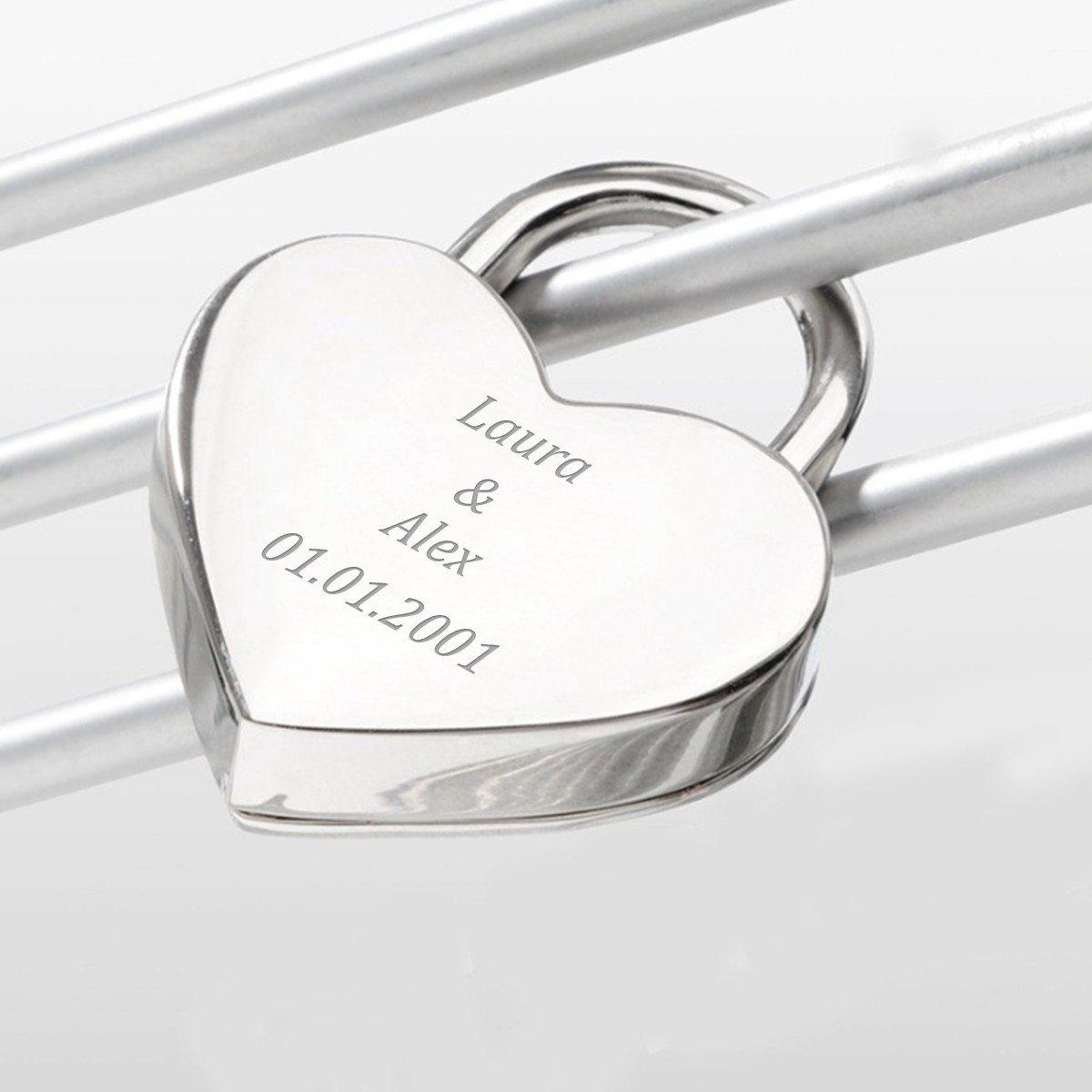 Sydämenmuotoinen lemmenlukko yksilöidyllä kaiverruksella
