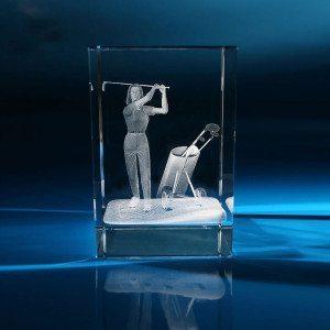 Golfer mit Zubehör im Glasblock mit individualisierbarem Textfeld