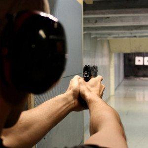 Ammunta käsiaseilla kahdelle, Helsinki